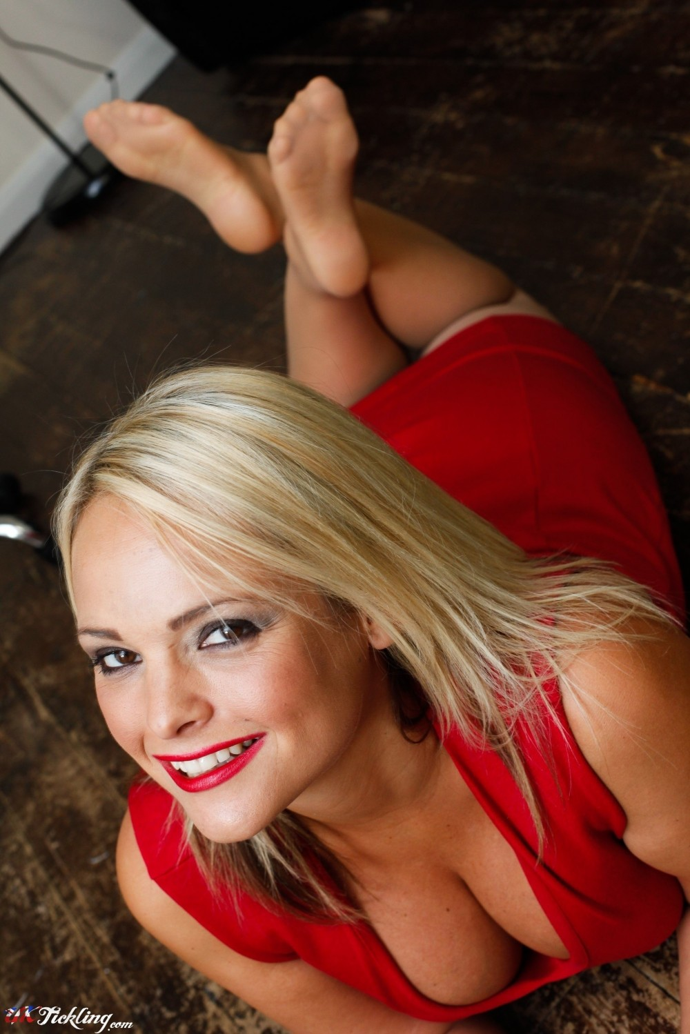Izzy Uk Tickling Classy uk tickling   galleries   photos   holly mcguire 02