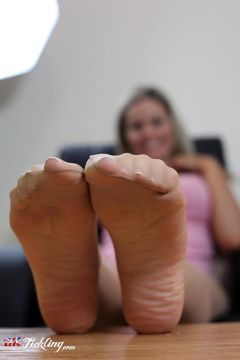 Izzy Uk Tickling Stunning uk tickling   galleries   photos   kate banks (izzy)